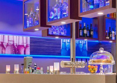 Park Inn by Radisson Neumarkt Bar 3