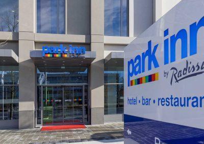 Park Inn by Radisson Neumarkt Eingang 2
